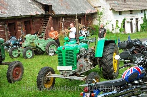 jarovsky_weekend2012_01.jpg